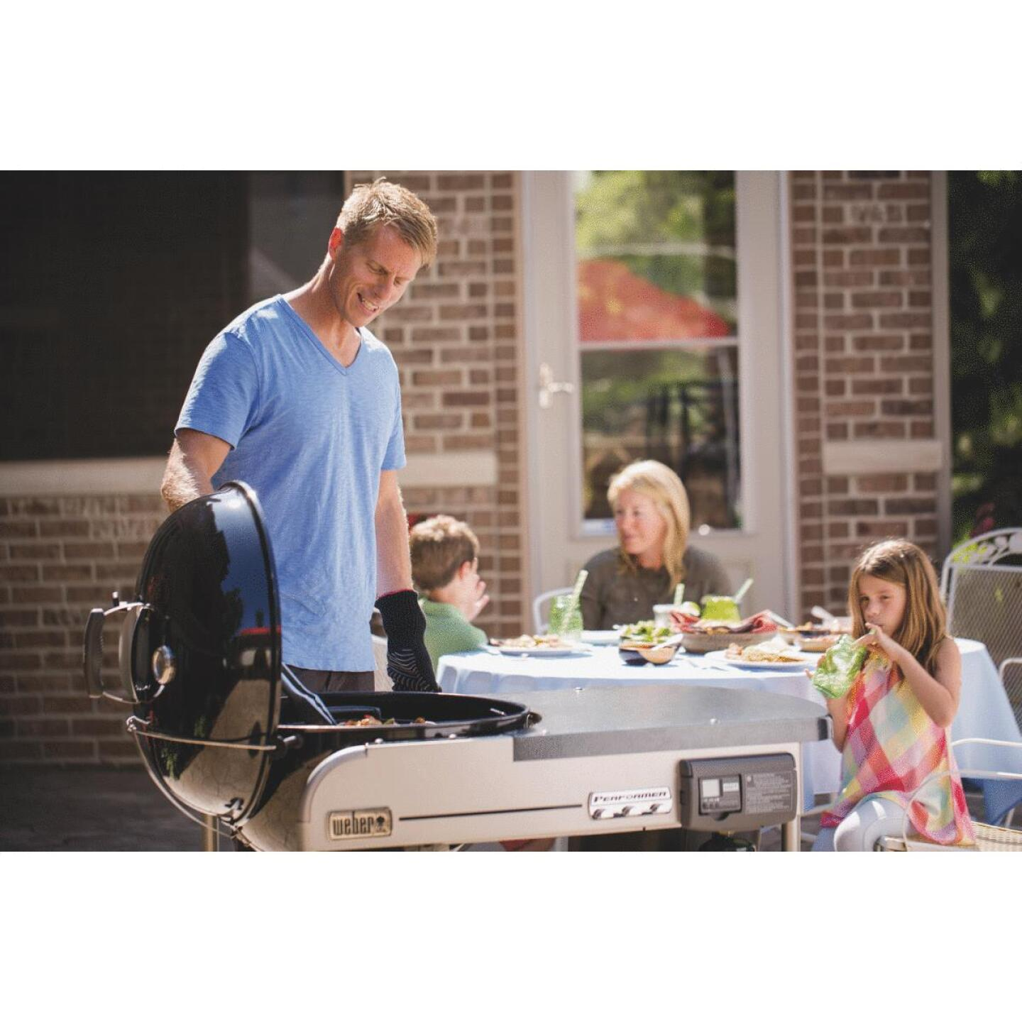 Weber Performer Deluxe 22 In. Black Charcoal Grill Image 3